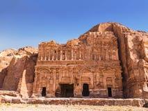 La tomba del palazzo nella capitale del regno di Nabataean, PETRA fotografia stock libera da diritti