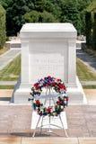 La tomba del soldato sconosciuto al cimitero nazionale di Arlington fotografia stock