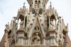 La tomba di Cansignorio, uno di cinque tombe gotiche di Scaliger, o dell'arché Scaligeri, a Verona, immagini stock libere da diritti