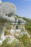 La tomba thracian della roccia fotografie stock