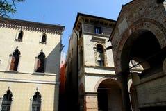 La tombe d'Antenor et deux palais de didue de façades à Padoue en Vénétie (Italie) Images stock