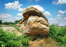 La tombe ou le Rocky Mound Kamena Mohyla en pierre Images libres de droits
