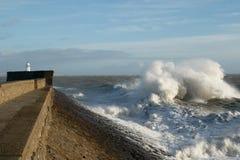 La tormenta Doris golpea Porthcawl, el Sur de Gales, Reino Unido Imagen de archivo libre de regalías