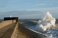 La tormenta Doris golpea Porthcawl, el Sur de Gales, Reino Unido Fotos de archivo