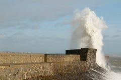 La tormenta Doris golpea Porthcawl, el Sur de Gales, Reino Unido Fotos de archivo libres de regalías