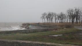 La tormenta en el mar de Azov almacen de video