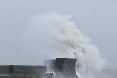 La tormenta Gertrudis golpea Porthcawl, el Sur de Gales, Reino Unido Fotos de archivo libres de regalías