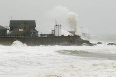 La tormenta Gertrudis golpea Porthcawl, el Sur de Gales, Reino Unido Fotografía de archivo