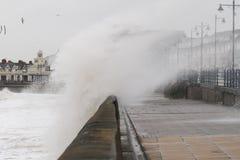La tormenta Gertrudis golpea Porthcawl, el Sur de Gales, Reino Unido Foto de archivo