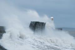 La tormenta Gertrudis golpea Porthcawl, el Sur de Gales, Reino Unido Foto de archivo libre de regalías