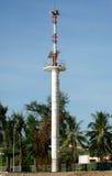 La torre amonestadora del tsunami en Tailandia imagen de archivo