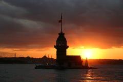 La Torre-Costantinopoli-Turchia della ragazza fotografia stock libera da diritti