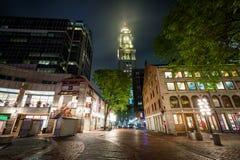 La torre de aduanas en la noche, en Boston, Massachusetts Fotos de archivo