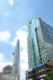 La torre de Bitexco y el otro edificio/torre Imagen de archivo