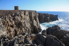 La torre de Cala Domestica en Cerdeña Imagenes de archivo