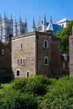 La torre de la joya y la abadía de Westminster Foto de archivo libre de regalías