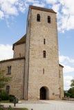 La torre de la iglesia de la abadía de Ottmarsheim en Francia Imagenes de archivo