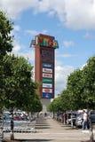 La torre de la publicidad en centro del comercio de IKEA en la ciudad de Khimki foto de archivo