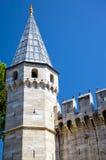 La torre de la puerta del saludo en el palacio de Topkapi, Estambul fotografía de archivo libre de regalías