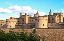 La torre de Londres - parte de los palacios reales históricos, conteniendo las joyas de la corona imagenes de archivo