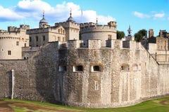 La torre de Londres - parte de los palacios reales históricos, conteniendo las joyas de la corona imagen de archivo