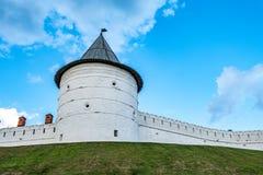 La torre de piedra redonda Imagen de archivo libre de regalías