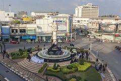 La torre de reloj de Phitsanulok la ceremonia para conmemorar al rey Imágenes de archivo libres de regalías