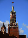 La torre de reloj de Spasskaya en el Kremlin Imágenes de archivo libres de regalías