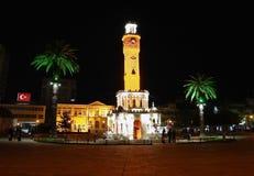 La torre de reloj en el cuadrado central de Konak en Esmirna en la n Fotografía de archivo libre de regalías