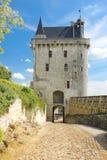 La torre de reloj Fortaleza Chinon francia Imagen de archivo libre de regalías
