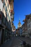 La torre de reloj vieja en Aarau, Suiza foto de archivo