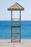 La torre del bagnino sulla spiaggia Immagine Stock Libera da Diritti