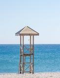 La torre del bagnino sulla spiaggia Fotografia Stock Libera da Diritti