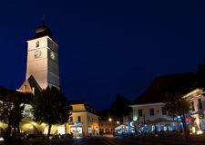 La torre del Consiglio nel grande quadrato di Sibiu Immagine Stock