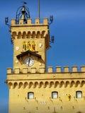 La torre del Palazzo Publico, San Marino immagine stock libera da diritti