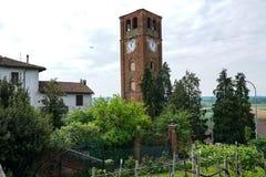 La torre del pueblo de Pralormo foto de archivo libre de regalías