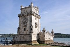 La torre di Belem a Lisbona sul Tago Fotografie Stock Libere da Diritti