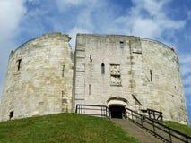 La torre di Clifford del castello di York immagini stock libere da diritti