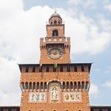 La torre di Filarete del Castello Sforzesco a Milano, Italia Immagini Stock