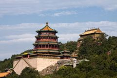La torre di incenso buddista ed il posto dello stato buddista Immagine Stock Libera da Diritti