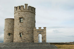 La torre di O'Brien alle scogliere di Moher - l'Irlanda Fotografia Stock