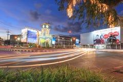 La torre di orologio del cerchio di Surin era intorno circa del centro di Phuket, con stile Cino-portoghese della vecchia costruz immagine stock libera da diritti