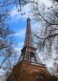 La torre Eiffel en París fotos de archivo
