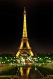 La torre Eiffel en París, Francia Fotografía de archivo