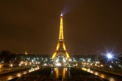 La torre Eiffel en París, Francia Fotos de archivo