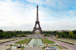 La torre Eiffel en París Fotografía de archivo