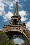 La torre Eiffel en resorte Foto de archivo