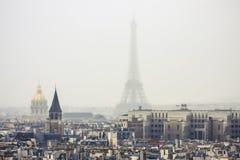 La torre Eiffel nella nebbia Fotografia Stock Libera da Diritti
