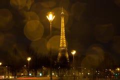 La torre Eiffel - visión desde el d'Alma de Pont imágenes de archivo libres de regalías