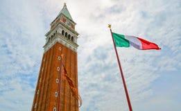 La torre en la plaza principal en Venecia Fotografía de archivo libre de regalías